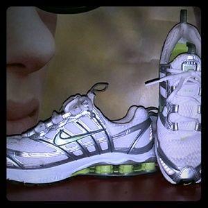 Nike Shoes - Nike Shox zoom air sz 7